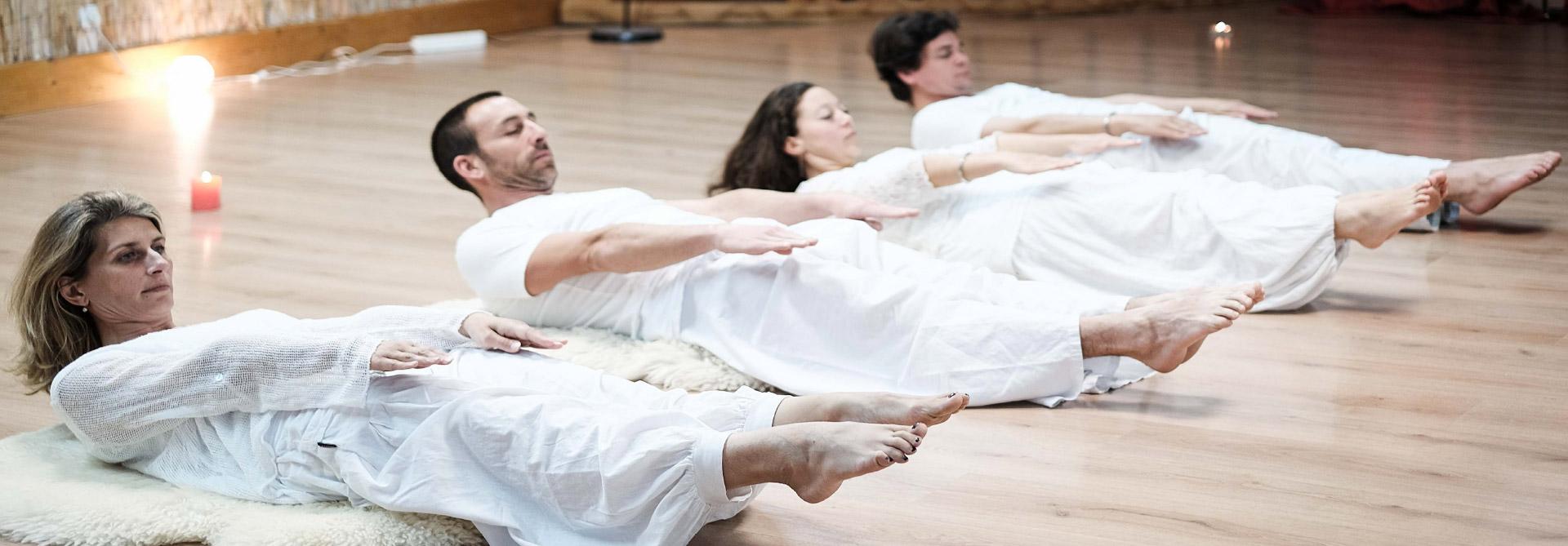 Les-postures principales du kundalini yoga